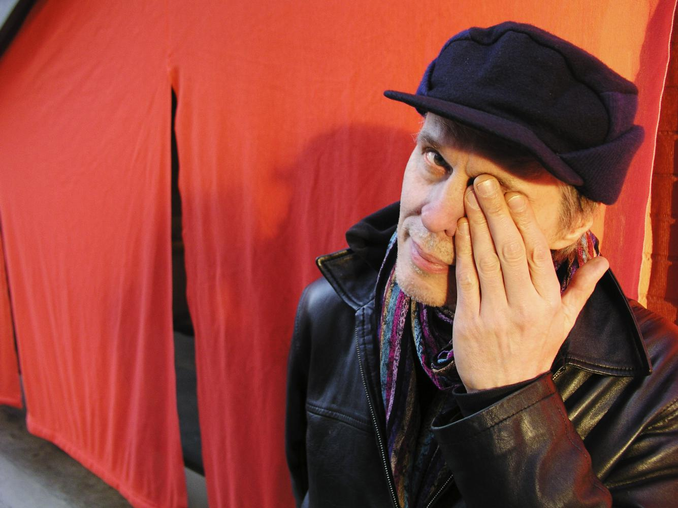 Tom Verlaine, performer, photo by Stefano Giovannini